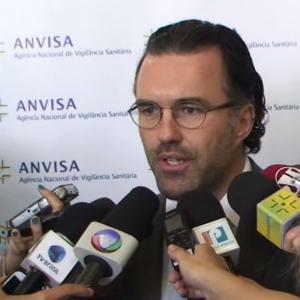 Jaime Oliveira, diretor-presidente da Anvisa, em coletiva após reclassificação do CBD.